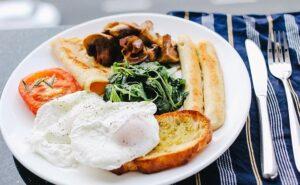 朝ごはんの最適なカロリーはいくつ?!男女別にみる最適な朝ごはんのカロリー