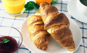 コンビニで買える、朝に食べたいおすすめパン(コンビニ別)